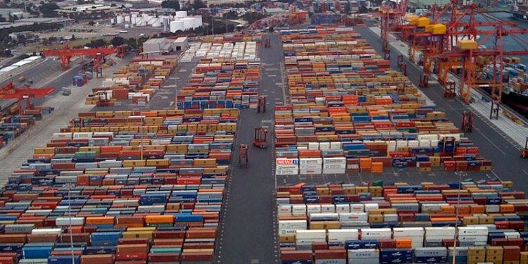 Container nel porto di Gioia Tauro