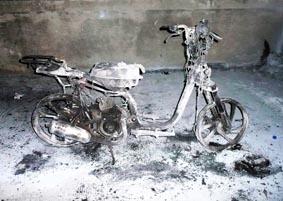 l'Honda Sky incendiato