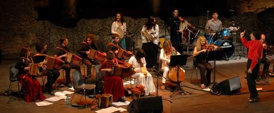 Ambrogio Sparagna e l'Orchestra Popolare