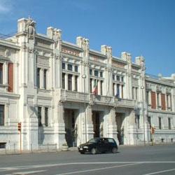 Messina, invalida al 100% a passeggio...