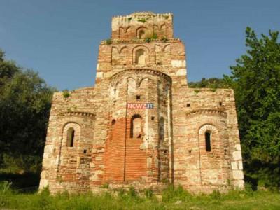 Staiti: l'Abbazia di Santa Maria dei Tridetti