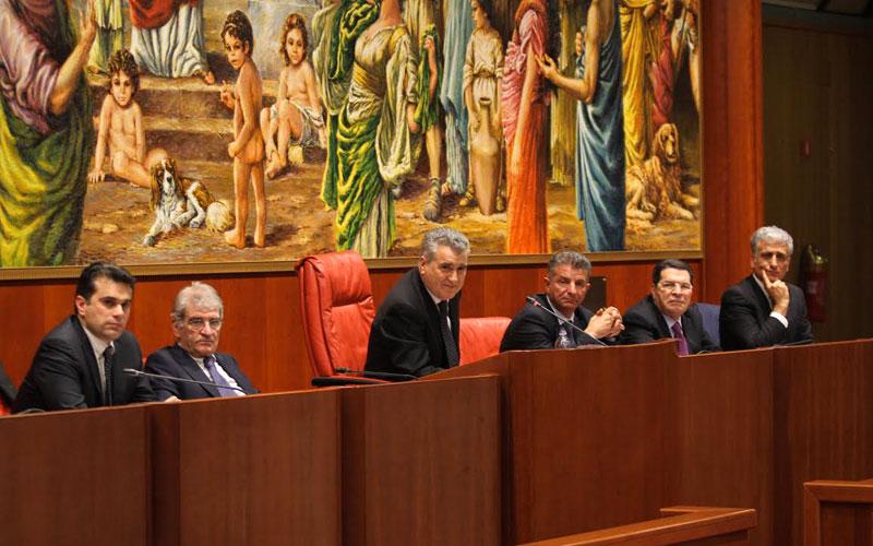 Ufficio Di Presidenza : Si è riunito lufficio di presidenza del consiglio regionale newz.it