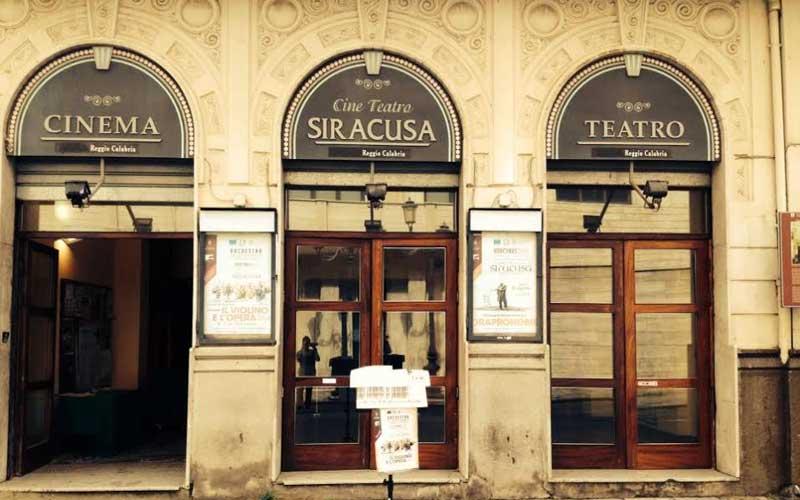 premium selection 68f8d 058ea Il Teatro Siracusa un negozio di Alta Moda. Italia dei ...