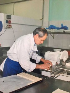 Tanino Fida nel suo laboratorio