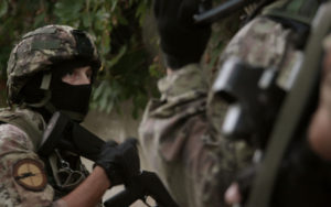 """Una scena della serie tv della Rai: """"Lo Squadrone. Dispacci dalla guerra di 'ndrangheta"""""""
