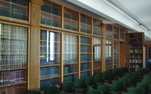La biblioteca della Stazione Sperimentale delle Industrie delle Essenze e dei Derivati dagli Agrumi di Reggio Calabria